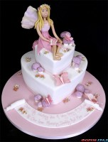 002456_stacked_heart_cakes_with_sugar-paste_fairy_model