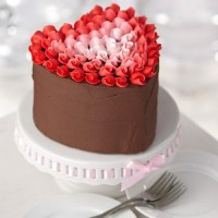 adorable-valentines-day-wedding-cakes-29-500x500