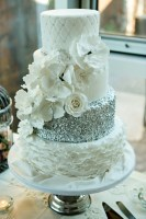 style-me-pretty-sequence-cake-4